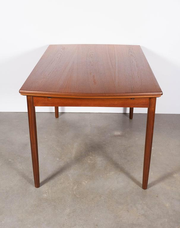 Expandable Rectangular Dining Table 6