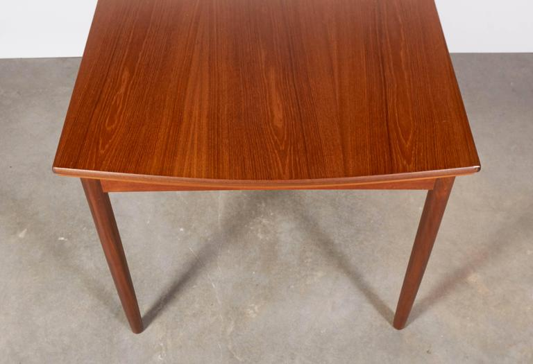 Expandable Rectangular Dining Table 8