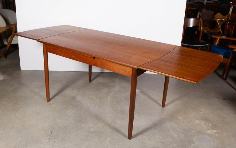 Expandable Rectangular Dining Table At 1stdibs