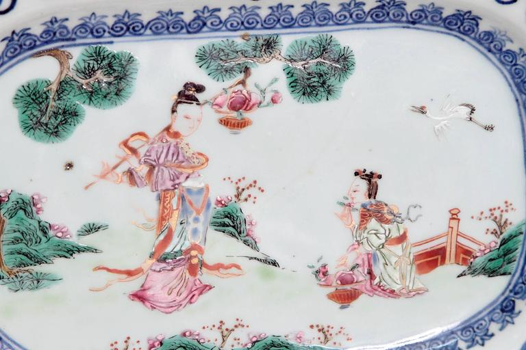 Chinese Export Porcelain Platters In Good Condition For Sale In Dallas, TX