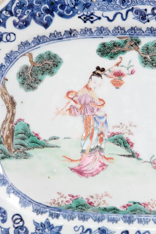 Chinese Export Porcelain Platters For Sale 4