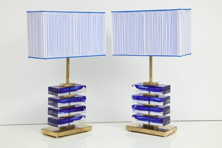 Impressive Pair of Italian Blue and Clear Murano Glass Block Lamps In Excellent Condition For Sale In New York, NY