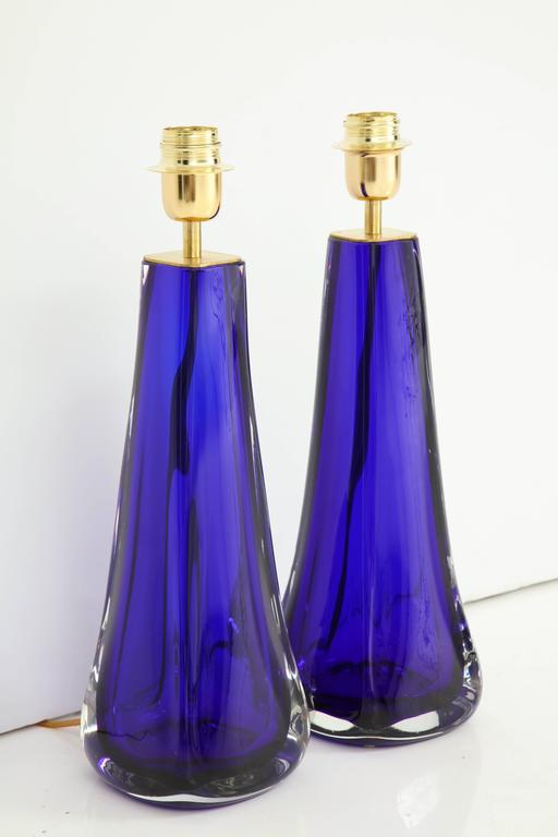 "Mid-Century Modern Pair of Italian Cobalt Blue ""Sommerso"" Murano Glass Lamps For Sale"