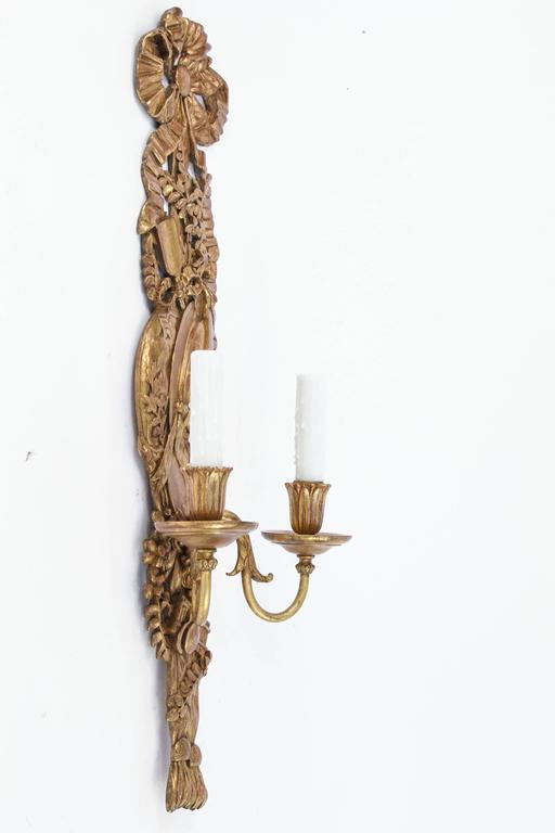 Late 19th Century Pair of Italian Carved Giltwood and Bronze Sconces For Sale 3