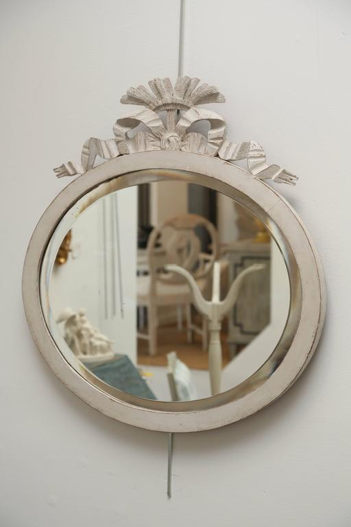 Antique Swedish Gustavian Style White Painted Oval Mirror, Mid-19th Century In Good Condition For Sale In West Palm Beach, FL