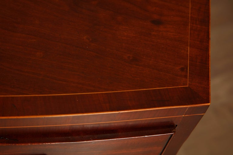 Mahogany Early 19th Century English Regency Bow Fronted Chest For Sale