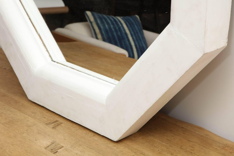 Vintage White Octagonal Mirror In Good Condition For Sale In West Hollywood, CA