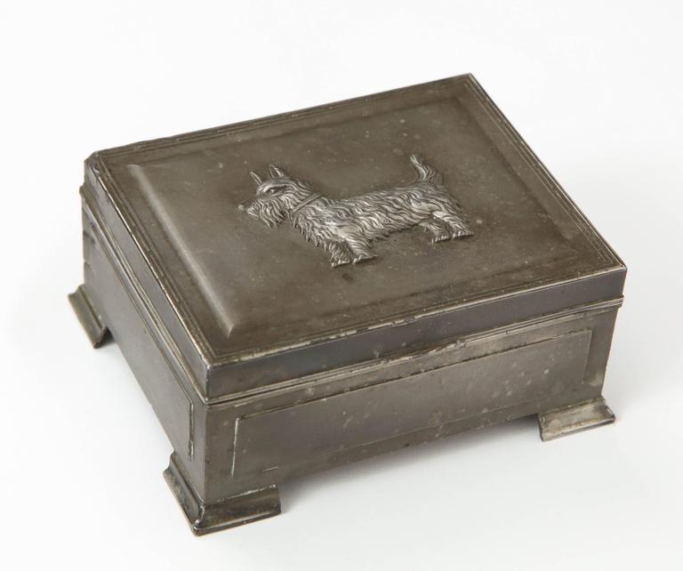 Decorative scottie brass box.