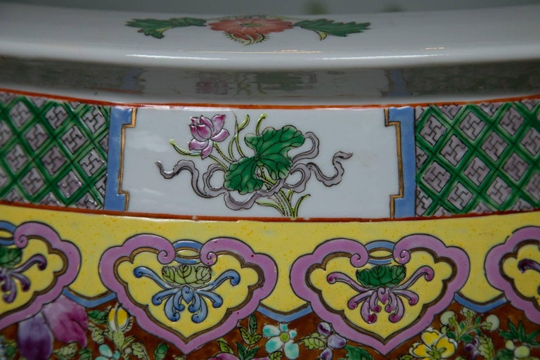 Pair of Chinese Porcelain Fish Bowls For Sale 3