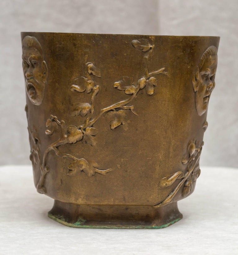 Japonesque Bronze Cache Pot by Berndorf, Austria, circa 1890 In Good Condition For Sale In San Francisco, CA