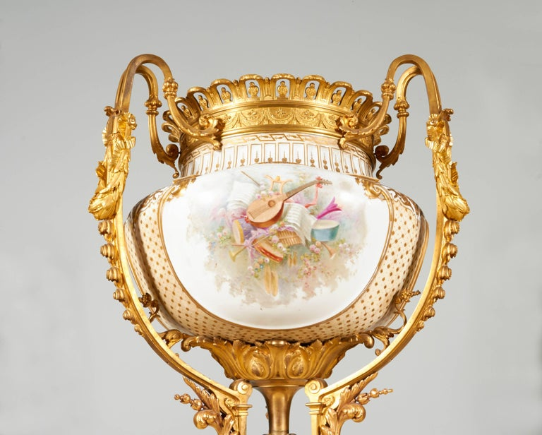 Important and Monumental Pair of Ormolu and Sèvres Style Porcelain Jardinieres 4