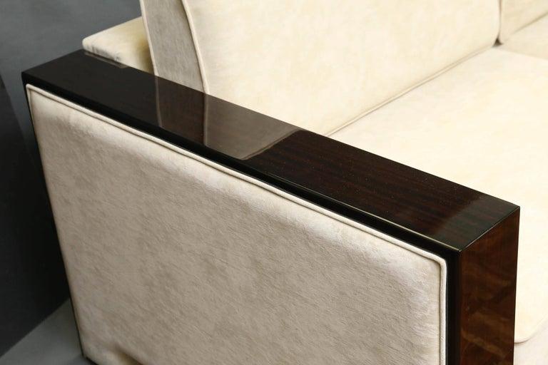 Mid-Century Modern Italian Mid-Century Sofa in Walnut For Sale