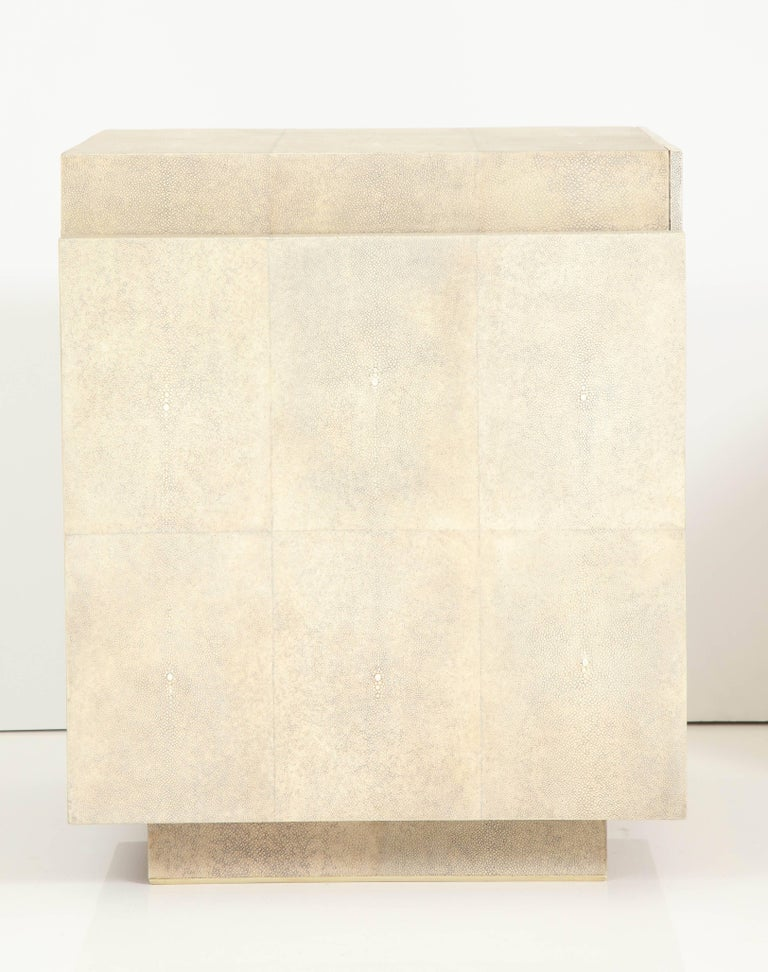 Shagreen Bedside Tables or Side Tables, Cream Color Shagreen & Palm Wood Details For Sale 2
