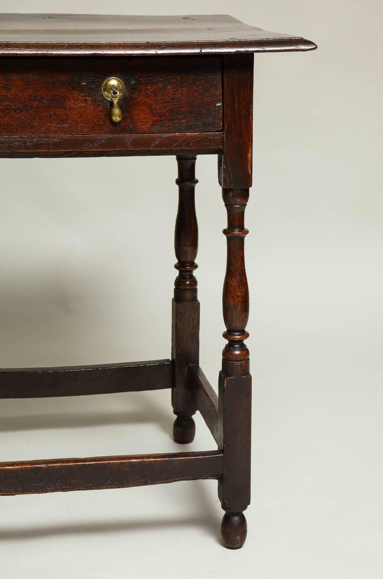 Early 18th Century English Oak Side Table 3