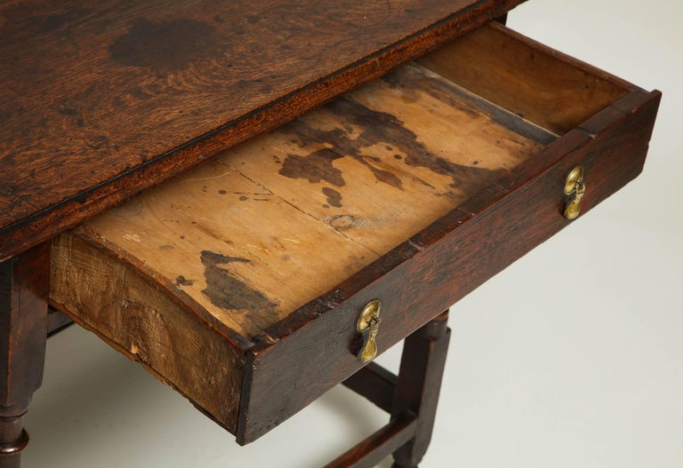 Early 18th Century English Oak Side Table 7