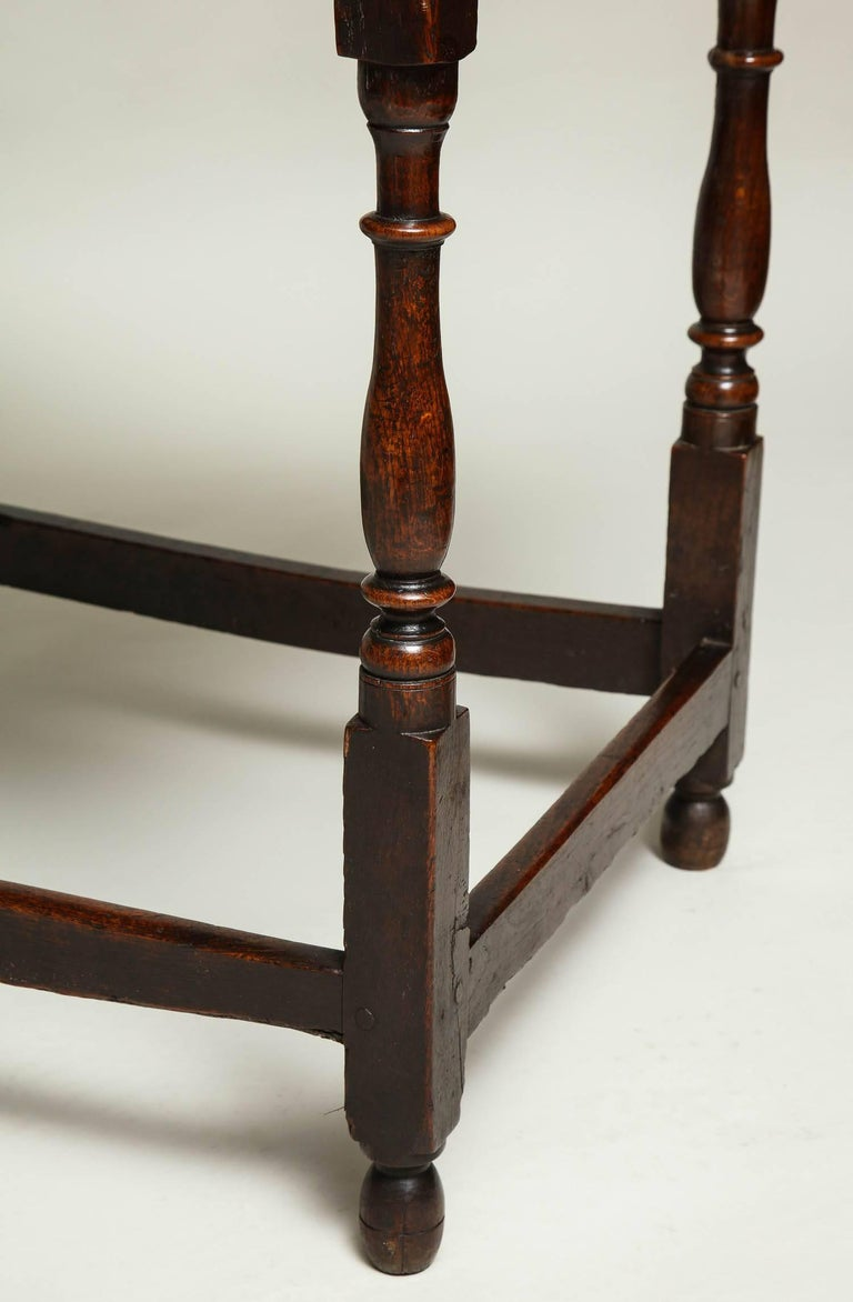 Early 18th Century English Oak Side Table 9