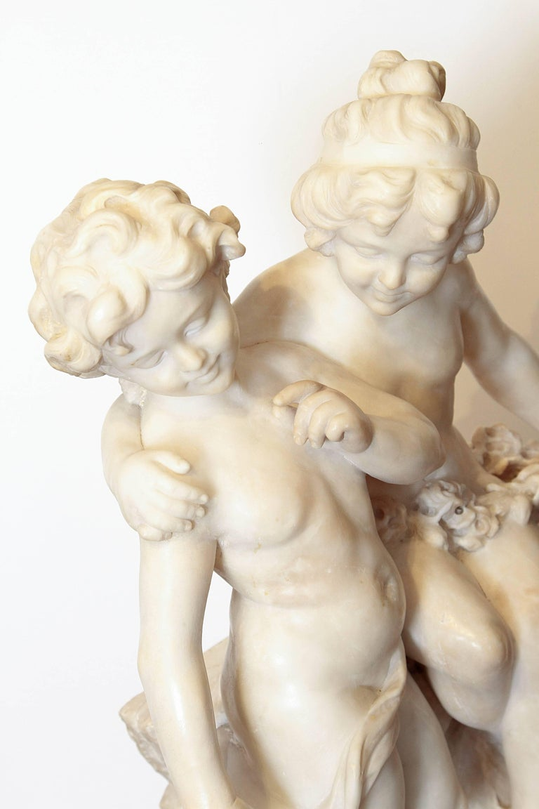 19th Century Italian Marble Sculpture of Two Children Sitting on a Wall For Sale 2