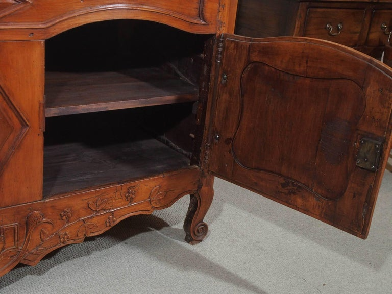 18th Century French Walnut Carved and Inlaid Sideboard, circa 1770 For Sale 2