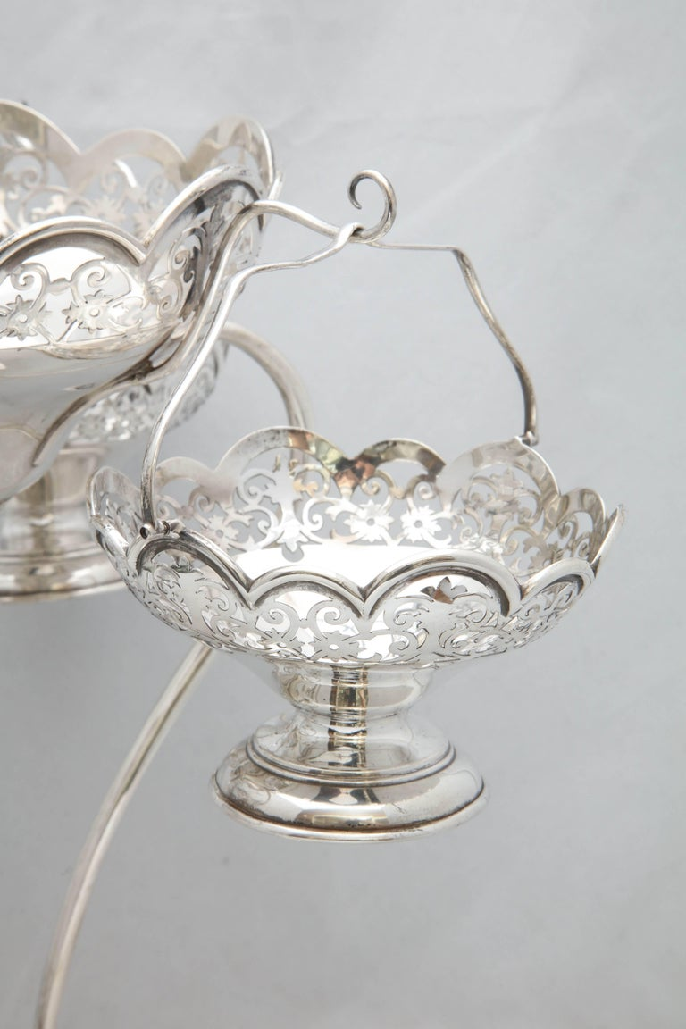 Beautiful Edwardian Style George V Sterling Silver Epergne/Centerpiece In Good Condition For Sale In New York, NY