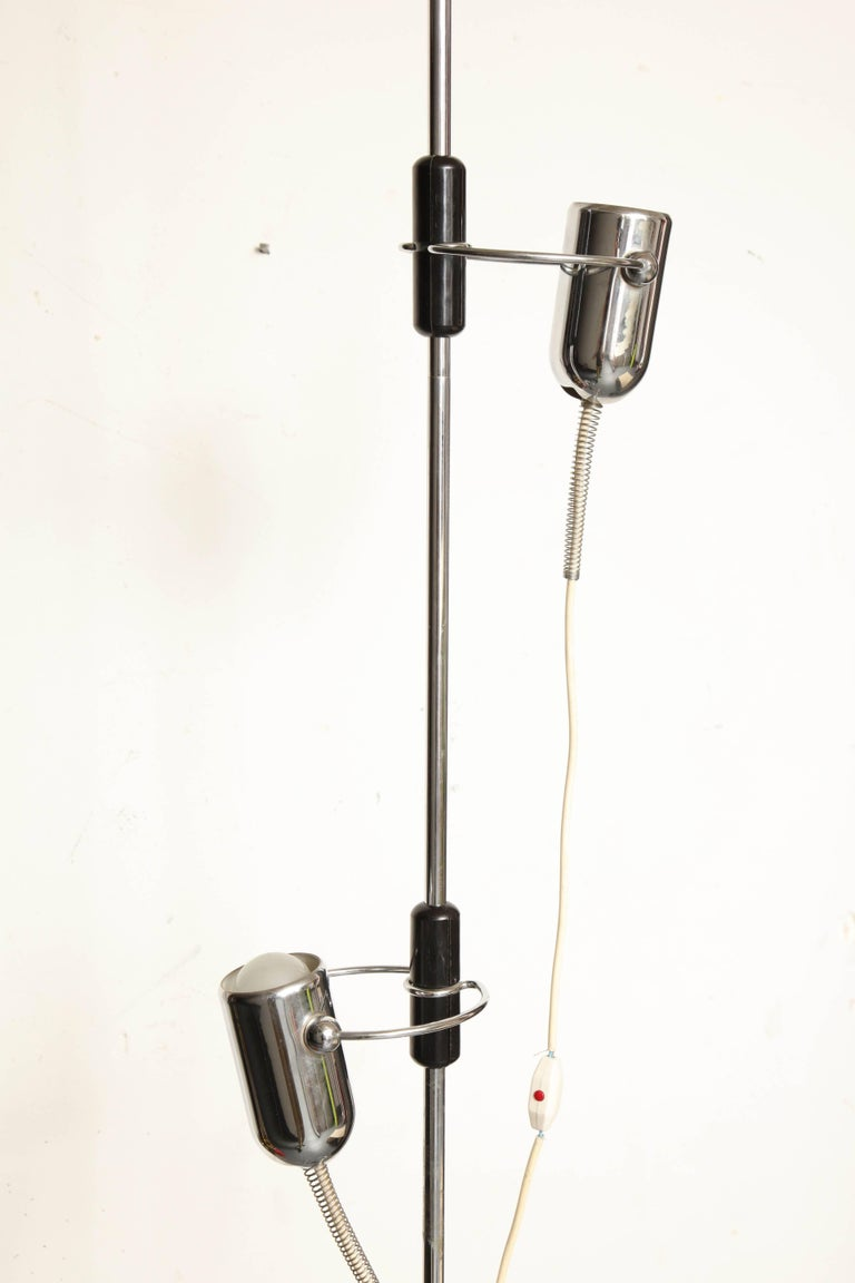 Chrome Reggiani Articulated Floor Lamp Mid-Century Modern, Italy, 1970s For Sale