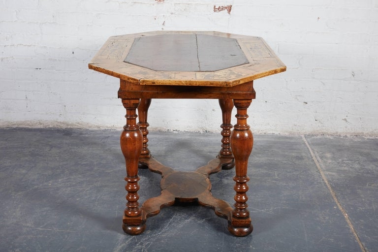 Late 17th Century French Laburnum and Marquetry Centre Table For Sale 1