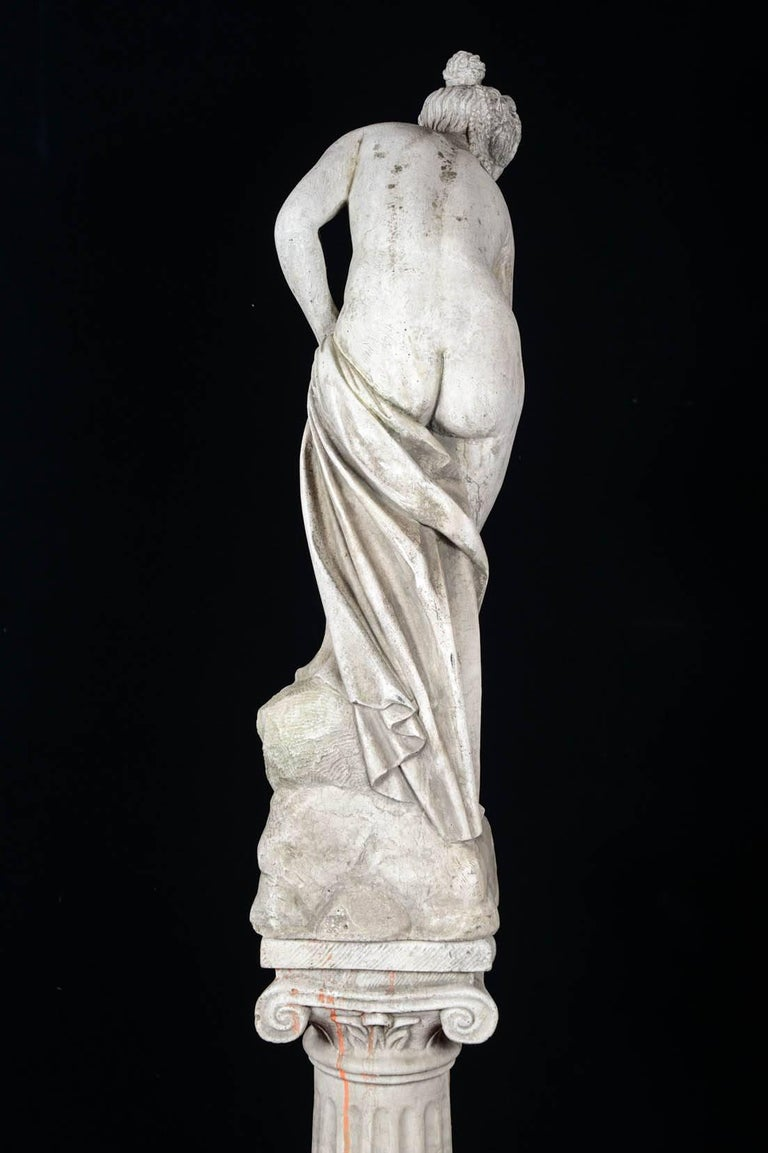 Sculpture in Concrete of a Bather Exiting Her Bath, 20th Century For Sale 4