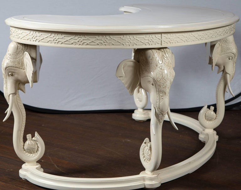 Gampel Stoll Curved Elephant Desk In Excellent Condition For Sale In Stamford, CT