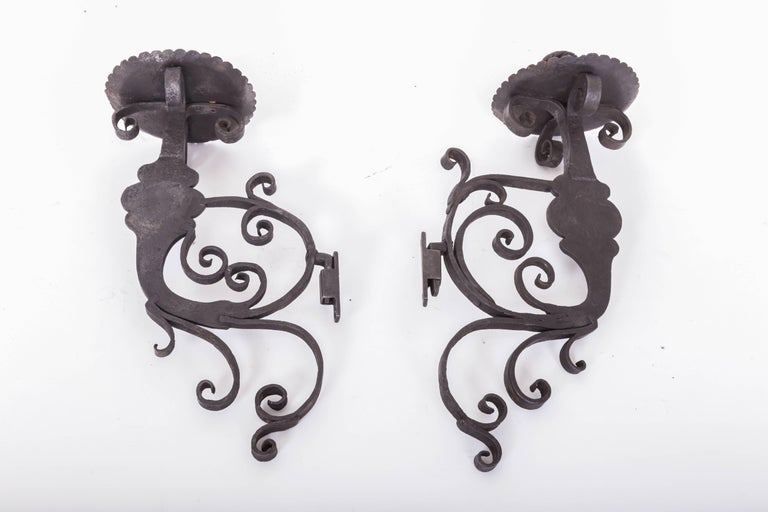 Pair of 17th Century European Hand-Forged Iron Wall Candle Sconces For Sale 2