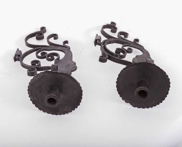 Pair of 17th Century European Hand-Forged Iron Wall Candle Sconces For Sale 5