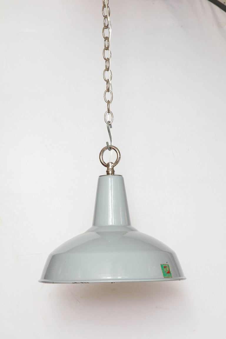 Vintage Benjamin Light with Diffuser In Excellent Condition For Sale In New York, NY