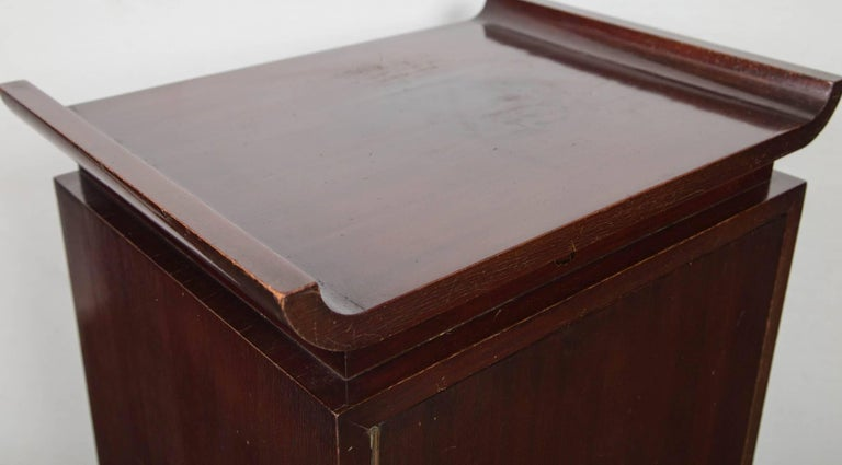 Pair of James Mont Style Bedside Tables In Good Condition For Sale In Stamford, CT
