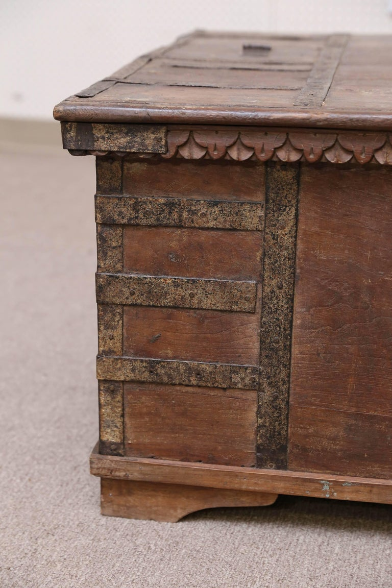 Indian 1820s Solid Teak Wood Dowry Chest from Central India For Sale
