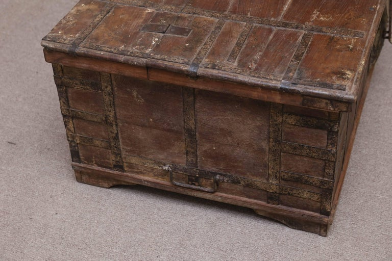 19th Century 1820s Solid Teak Wood Dowry Chest from Central India For Sale