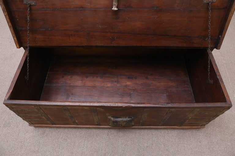 1820s Solid Teak Wood Dowry Chest from Central India For Sale 2