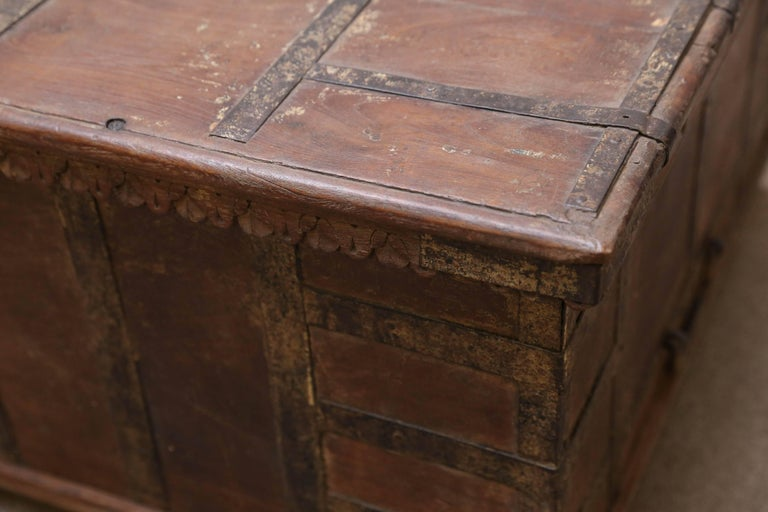 1820s Solid Teak Wood Dowry Chest from Central India For Sale 3