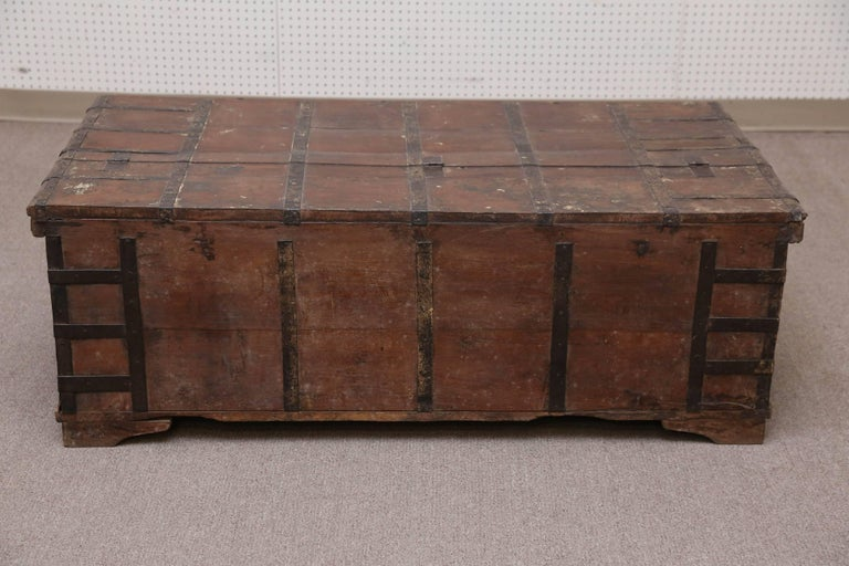 1820s Solid Teak Wood Dowry Chest from Central India For Sale 4