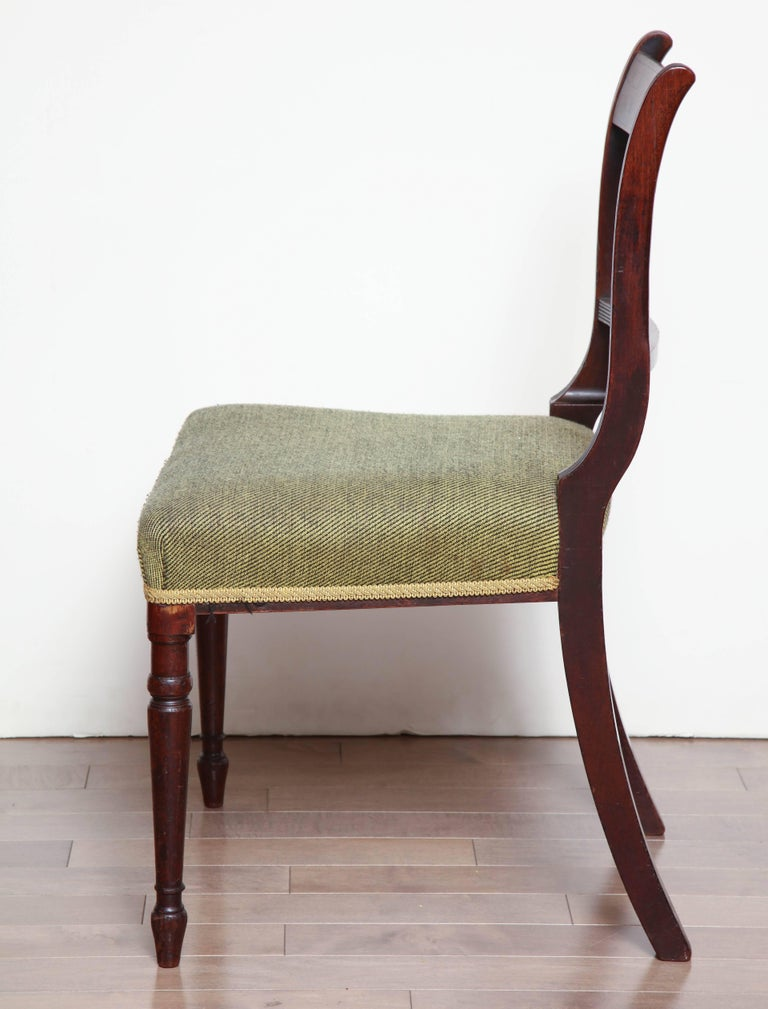 Pair of Irish, Neoclassical Mahogany Side Chairs, circa 1810-1820 In Good Condition For Sale In New York, NY