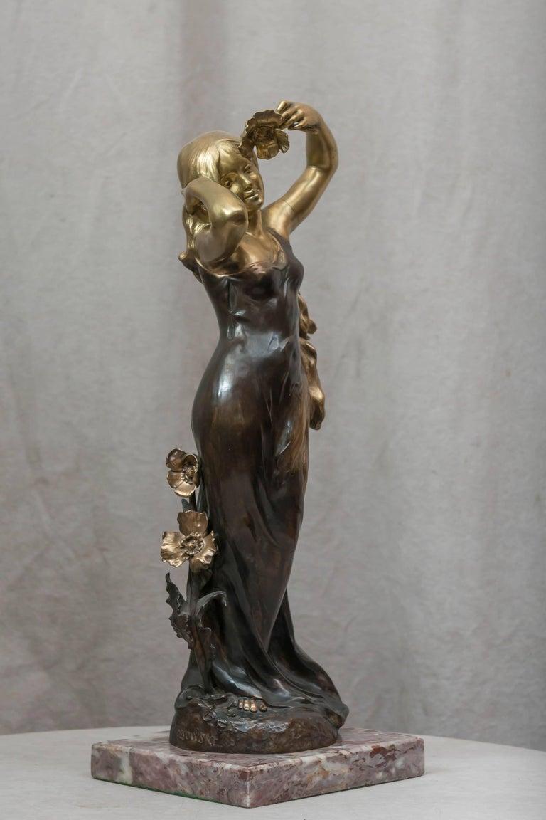 Art Nouveau Bronze Figure of a Young Woman In Good Condition For Sale In Petaluma, CA