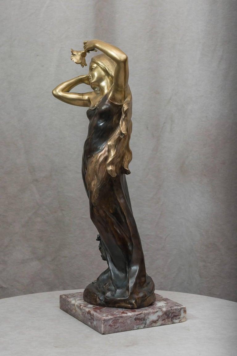 Art Nouveau Bronze Figure of a Young Woman For Sale 4