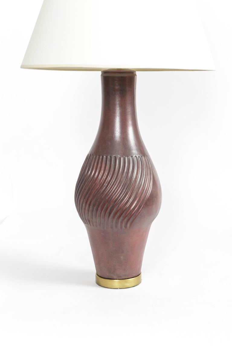 Large Deep Red Ceramic and Brass Table Lamp In Excellent Condition For Sale In East Hampton, NY