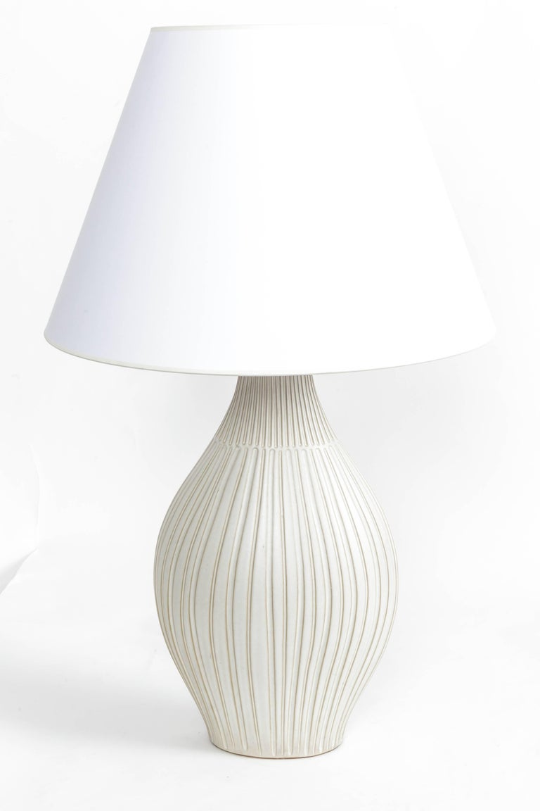 Fluted Gourd Ceramic Table Lamp In Excellent Condition For Sale In East Hampton, NY