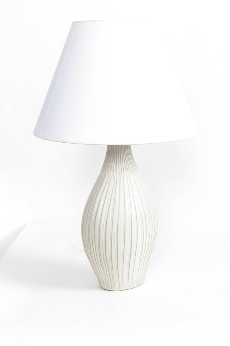 Mid-20th Century Fluted Gourd Ceramic Table Lamp For Sale