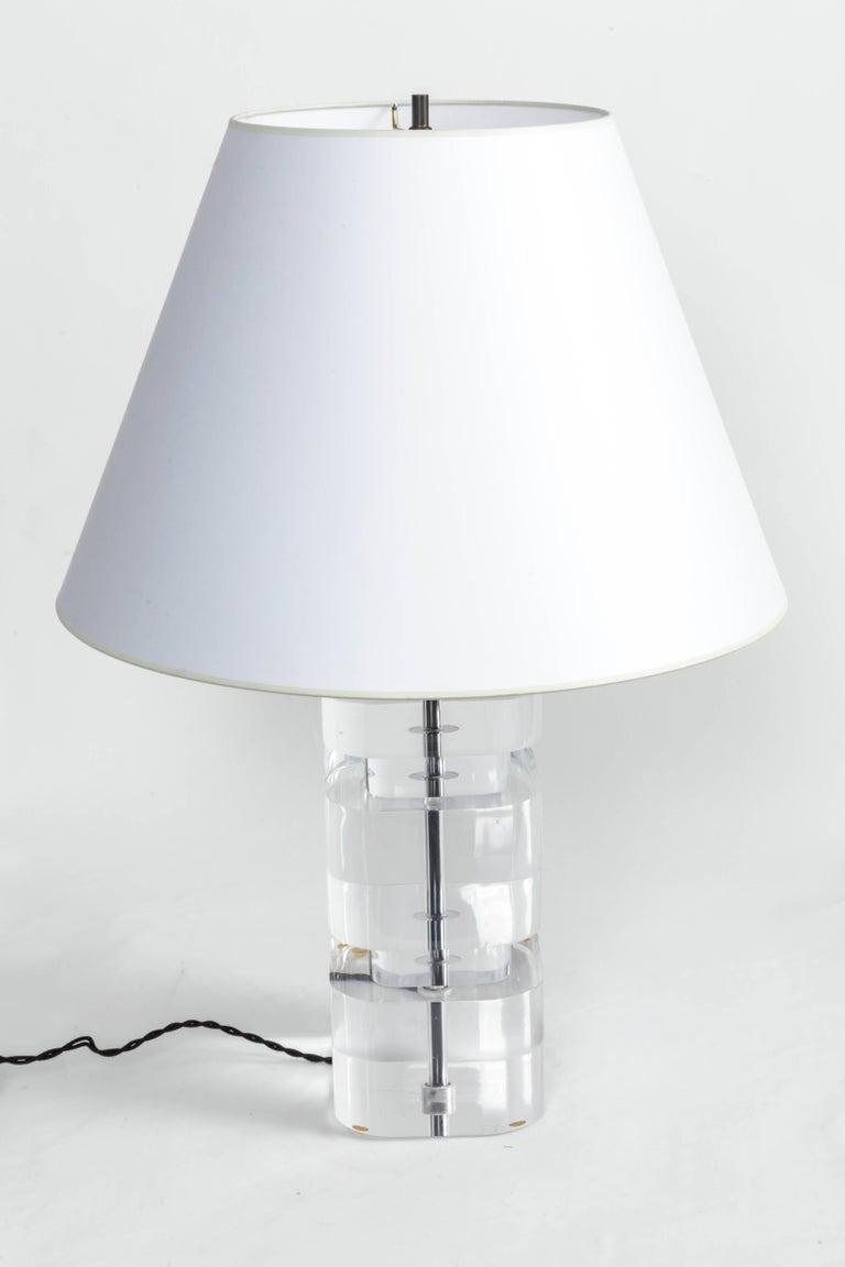 American Liquid Lucite Column Table Lamp For Sale
