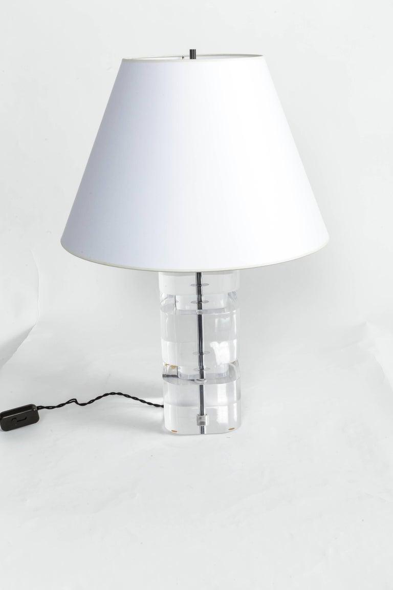 Liquid Lucite Column Table Lamp For Sale 2