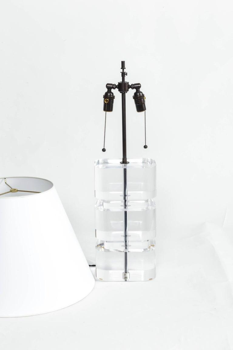 Liquid Lucite Column Table Lamp For Sale 3