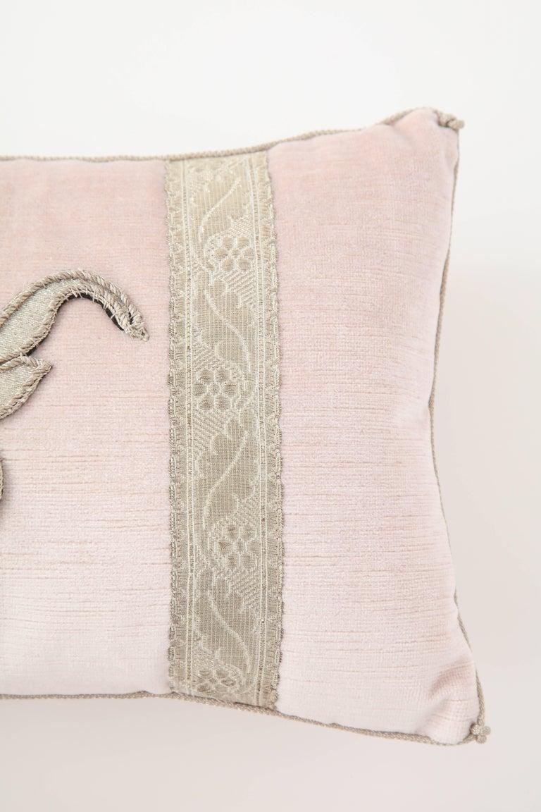 Pair of Blush Pink Velvet Pillows For Sale 1