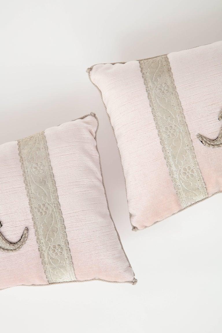 Pair of Blush Pink Velvet Pillows For Sale 3