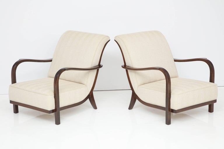 Mid-Century Modern Pair of Italian Armchairs Attributed to Paolo Buffa For Sale