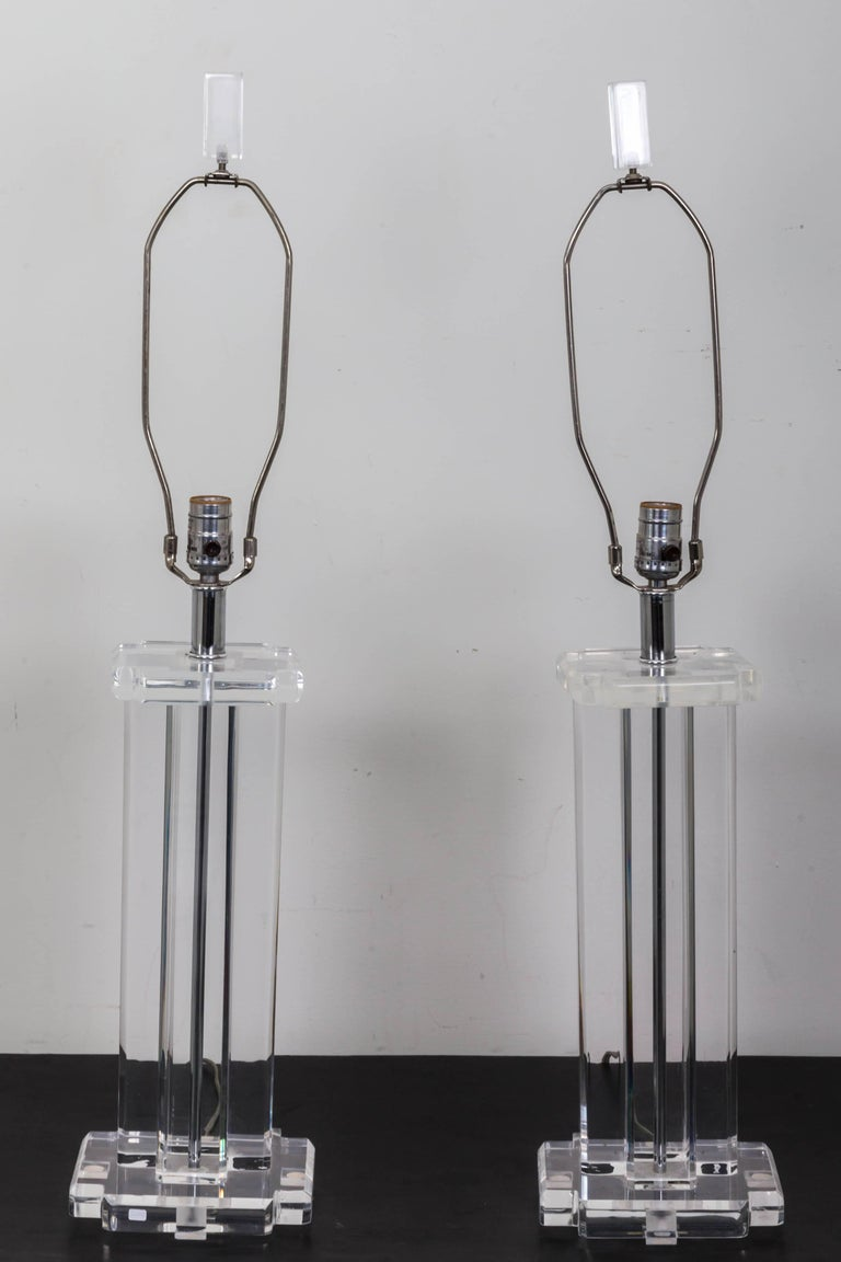 Pair of Lucite Rectangular Column Table Lamps In Good Condition For Sale In Southampton, NY
