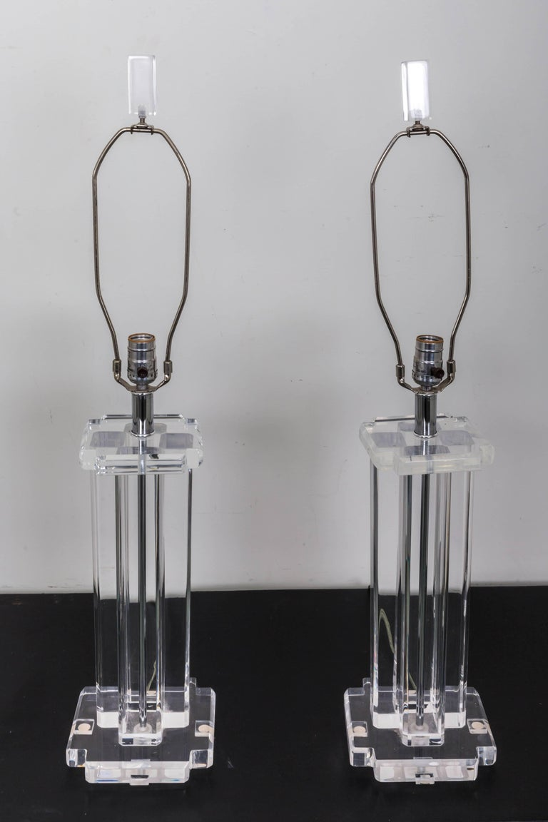20th Century Pair of Lucite Rectangular Column Table Lamps For Sale